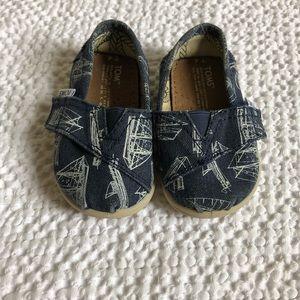 TOMS kids canvas shoes